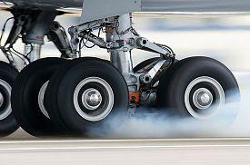 Clica en la imagen para ver en grande  Nombre:  a340-landing-gear.jpg Vistas: 641 Tamaño:  33,3 KB