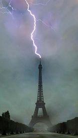 Clica en la imagen para ver en grande  Nombre:  rayo-en-torre-eiffel.jpg Vistas: 326 Tamaño:  21,2 KB